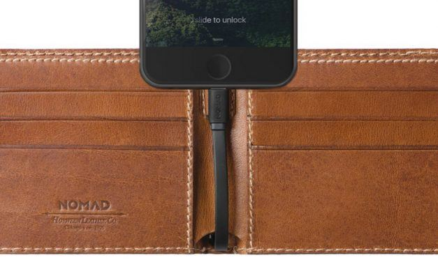 Nomad Bi-fold Leather Charging Wallet With Integrated Battery