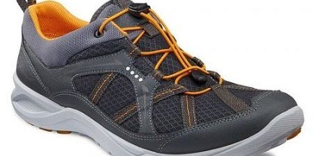 Versatile Ecco Terra Cruise Shoes for Men | Practical Travel Gear 1