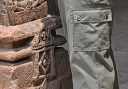 Thwart Pickpockets with P-Cubed Pants | Practical Travel Gear 1